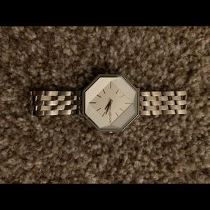Nixon watch the capsulet silver